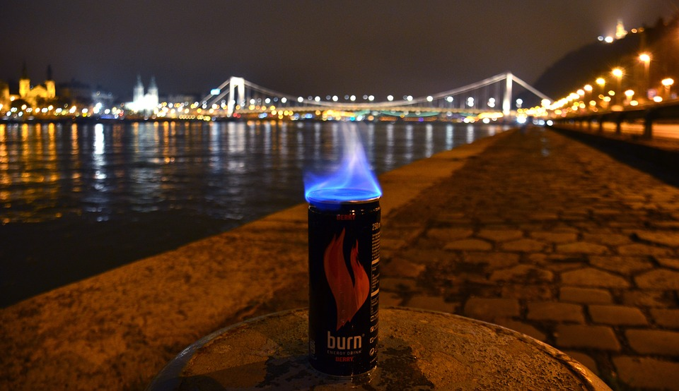 energy-drink-1372800_960_720